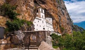 manastir_ostrog_2