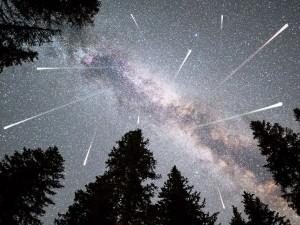 images_2018_08_meteorska_kisa_perseida_aps_713951303