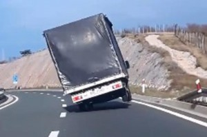 1326629_kamion_ls
