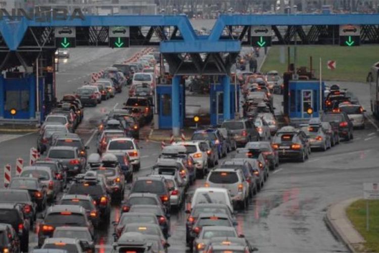 Gužva na graničnim prelazima sa Slovenijom, Hrvatskom i Srbijom