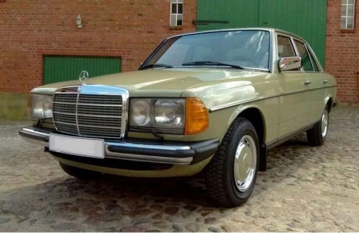 Nov kao ispod čekića: Našli Mercedes W123 koji je u garaži stajao 34 godine
