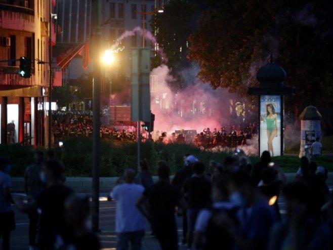 Bilans protesta u Beogradu – 19 policajaca i 17 demonstranata povrijeđeno
