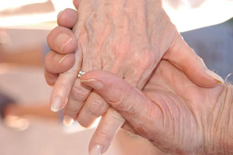 Nakon 60 godina braka, napustili ovaj svijet JEDNO ZA DRUGIM